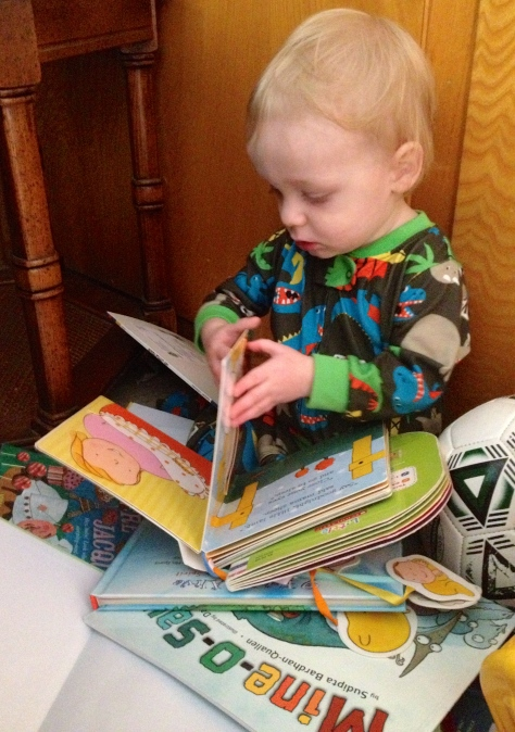R reading books